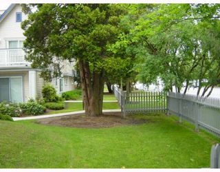 "Photo 2: 26 6833 LIVINGSTONE Place in Richmond: Granville Townhouse for sale in ""GRANVILLE PARK"" : MLS®# V654075"
