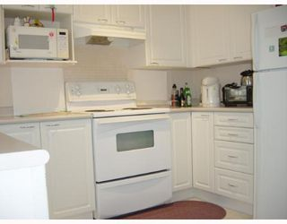 "Photo 3: 26 6833 LIVINGSTONE Place in Richmond: Granville Townhouse for sale in ""GRANVILLE PARK"" : MLS®# V654075"