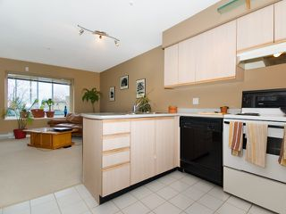 Photo 2: 404 2133 Dundas St in Vancouver: Hastings Condo for sale (Vancouver East)