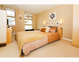 "Photo 4: 29 638 W 6TH Avenue in Vancouver: Fairview VW Townhouse for sale in ""STELLA DEL FIORDO"" (Vancouver West)  : MLS®# V663726"