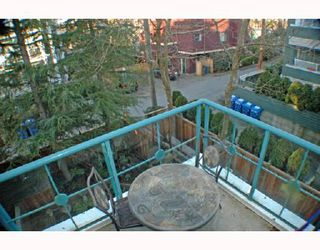 """Photo 9: 303 735 W 15TH Avenue in Vancouver: Fairview VW Condo for sale in """"WINDGATE WILLOW"""" (Vancouver West)  : MLS®# V690114"""
