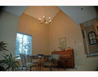 """Photo 3: 303 735 W 15TH Avenue in Vancouver: Fairview VW Condo for sale in """"WINDGATE WILLOW"""" (Vancouver West)  : MLS®# V690114"""