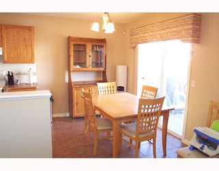 Photo 5: 6122 SADDLEHORN Drive NE in CALGARY: Saddleridge Residential Detached Single Family for sale (Calgary)  : MLS®# C3316288