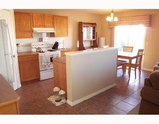 Photo 4: 6122 SADDLEHORN Drive NE in CALGARY: Saddleridge Residential Detached Single Family for sale (Calgary)  : MLS®# C3316288
