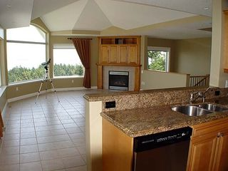 Photo 3: 2137 SCOTTVALE PLACE in NANOOSE BAY: Fairwinds Community House/Single Family for sale (Nanoose Bay)  : MLS®# 275886