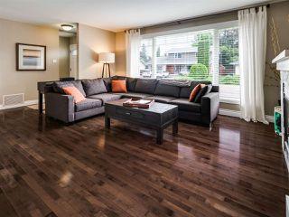 Photo 3: 4036 120 Street in Edmonton: Zone 16 House for sale : MLS®# E4170586