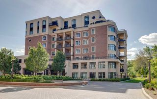 Main Photo: 633 1900 Bayview Avenue in Toronto: Bridle Path-Sunnybrook-York Mills Condo for sale (Toronto C12)  : MLS®# C4564463