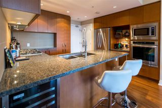 Photo 8: 1605 3008 GLEN DRIVE in Coquitlam: North Coquitlam Condo for sale : MLS®# R2221293