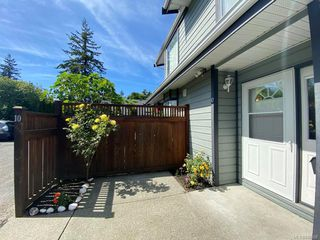 Photo 2: 10 630 Huxley St in Saanich: SW Tillicum Row/Townhouse for sale (Saanich West)  : MLS®# 840508
