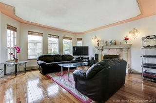 Photo 5: 4804 DUNDAS Street in Burnaby: Capitol Hill BN House for sale (Burnaby North)  : MLS®# R2481047