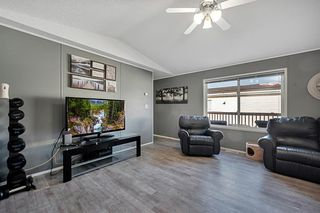 Photo 3: 5 900 Ross Street: Crossfield Mobile for sale : MLS®# A1030432