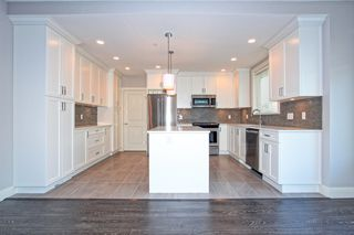Photo 6: 20381 Wicklund Avenue in VillageWalk: Home for sale : MLS®# R2115562