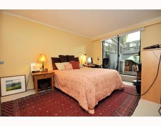 Photo 4: # 104 2125 YORK AV in Vancouver: Condo for sale : MLS®# V797055