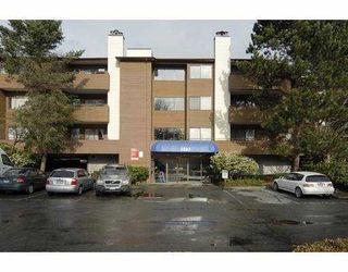 """Photo 1: 157 7293 MOFFATT Road in Richmond: Brighouse South Condo for sale in """"DORCHESTER CIRCLE"""" : MLS®# V695878"""