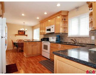 Photo 2: 8864 204A Street in Langley: Walnut Grove House for sale : MLS®# F2812897