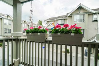 """Photo 7: 36 6651 203 Street in Langley: Willoughby Heights Townhouse for sale in """"SUNSCAPE"""" : MLS®# R2404003"""