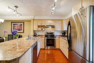 """Photo 9: 36 6651 203 Street in Langley: Willoughby Heights Townhouse for sale in """"SUNSCAPE"""" : MLS®# R2404003"""