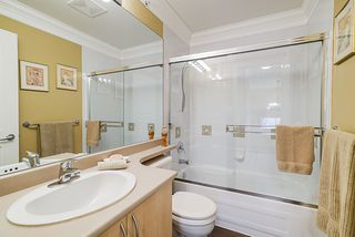 """Photo 16: 36 6651 203 Street in Langley: Willoughby Heights Townhouse for sale in """"SUNSCAPE"""" : MLS®# R2404003"""
