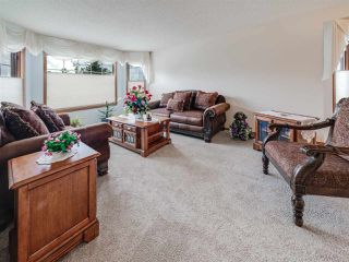 Photo 2: 24 NORFOLK Bay: Sherwood Park House for sale : MLS®# E4173943