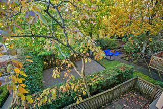"""Photo 14: 206 150 W 22ND Street in North Vancouver: Central Lonsdale Condo for sale in """"Sierra"""" : MLS®# R2415636"""