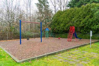"""Photo 16: 44 8220 KING GEORGE Boulevard in Surrey: Bear Creek Green Timbers Manufactured Home for sale in """"Crestway Bays"""" : MLS®# R2444828"""