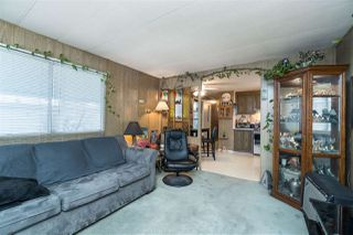 """Photo 6: 44 8220 KING GEORGE Boulevard in Surrey: Bear Creek Green Timbers Manufactured Home for sale in """"Crestway Bays"""" : MLS®# R2444828"""