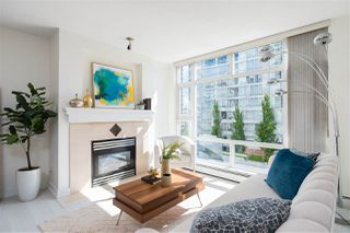 "Main Photo: 707 1199 MARINASIDE Crescent in Vancouver: Yaletown Condo for sale in ""AQUARIUS I"" (Vancouver West)  : MLS®# R2463668"