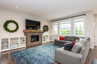 Photo 3: 7704 19 Avenue in Edmonton: Zone 53 House for sale : MLS®# E4203964