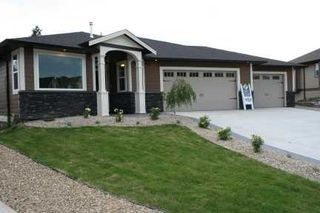 Photo 1: 1731 - 23rd Street NE in Salmon Arm: Lakeview Meadows Residential Detached for sale : MLS®# 9198925
