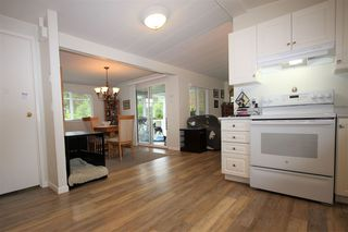 "Photo 3: 261 27111 0 Avenue in Langley: Aldergrove Langley Manufactured Home for sale in ""Pioneer Park"" : MLS®# R2471117"