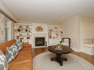 Photo 3: 1907 San Juan Ave in Saanich: SE Gordon Head Single Family Detached for sale (Saanich East)  : MLS®# 842889