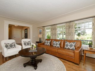 Photo 5: 1907 San Juan Ave in Saanich: SE Gordon Head Single Family Detached for sale (Saanich East)  : MLS®# 842889