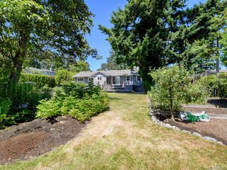 Photo 42: 1907 San Juan Ave in Saanich: SE Gordon Head Single Family Detached for sale (Saanich East)  : MLS®# 842889