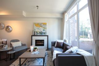 "Photo 4: 6174 OAK Street in Vancouver: Oakridge VW Townhouse for sale in ""OAK"" (Vancouver West)  : MLS®# R2486796"