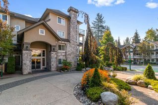 "Main Photo: 305 1150 E 29TH Street in North Vancouver: Lynn Valley Condo for sale in ""Highgate"" : MLS®# R2497351"