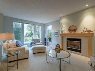 Photo 2: 770 CORDOVA BAY Rd in : SE Cordova Bay Row/Townhouse for sale (Saanich East)  : MLS®# 857436