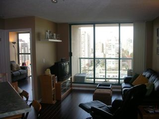 "Photo 2: 789 DRAKE Street in Vancouver: Downtown VW Condo for sale in ""CENTURY TOWER"" (Vancouver West)  : MLS®# V637560"