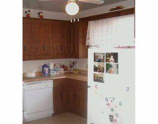 Photo 2: 9 FLEURY Place in Winnipeg: Windsor Park / Southdale / Island Lakes Single Family Detached for sale (South East Winnipeg)  : MLS®# 2507417