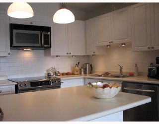 """Photo 3: 313 315 RENFREW Street in Vancouver: Hastings East Condo for sale in """"SHOREWINDS"""" (Vancouver East)  : MLS®# V656475"""