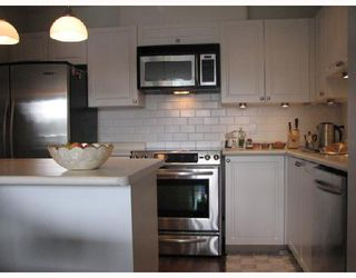 """Photo 2: 313 315 RENFREW Street in Vancouver: Hastings East Condo for sale in """"SHOREWINDS"""" (Vancouver East)  : MLS®# V656475"""