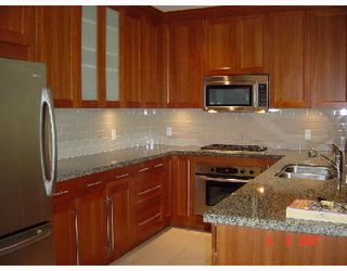 """Photo 9: 402 4759 VALLEY Drive in Vancouver: Quilchena Condo for sale in """"MARGUERITE HOUSE II"""" (Vancouver West)  : MLS®# V661394"""