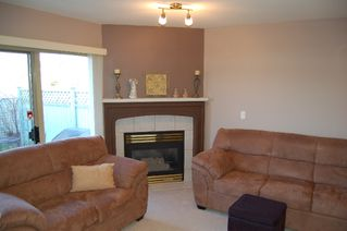Photo 2: 28 1255 Riverside Drive in Port Coquitlam: Townhouse for sale