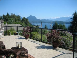 Photo 2: 1107 Marine Drive in SECHELT: House for sale (Sunshine Coast)  : MLS®# V773188