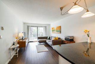 """Photo 6: 305 2045 FRANKLIN Street in Vancouver: Hastings Condo for sale in """"Harbormount"""" (Vancouver East)  : MLS®# R2395605"""
