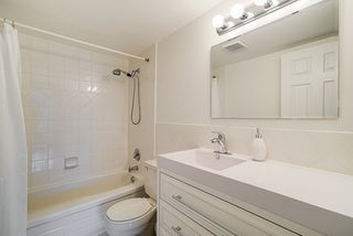 """Photo 14: 305 2045 FRANKLIN Street in Vancouver: Hastings Condo for sale in """"Harbormount"""" (Vancouver East)  : MLS®# R2395605"""