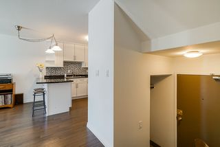 """Photo 15: 305 2045 FRANKLIN Street in Vancouver: Hastings Condo for sale in """"Harbormount"""" (Vancouver East)  : MLS®# R2395605"""