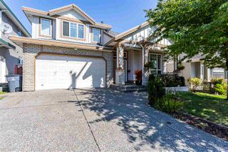 Photo 1: 14649 76 Avenue in Surrey: East Newton House for sale : MLS®# R2402128