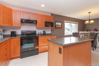 Photo 15: 4341 Shelbourne St in VICTORIA: SE Gordon Head House for sale (Saanich East)  : MLS®# 835438