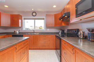 Photo 12: 4341 Shelbourne St in VICTORIA: SE Gordon Head House for sale (Saanich East)  : MLS®# 835438