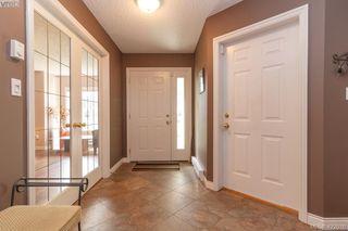 Photo 4: 4341 Shelbourne St in VICTORIA: SE Gordon Head House for sale (Saanich East)  : MLS®# 835438